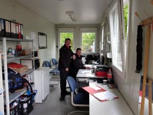 WWS-Mitarbeiter im Flüchtlingsunterkunft